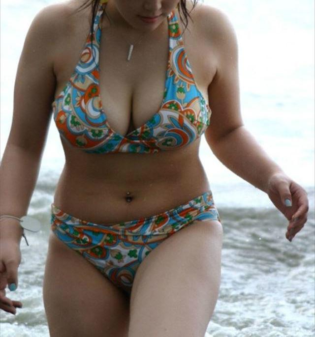 水着 おっぱい 巨乳 ビキニ エロ画像【17】