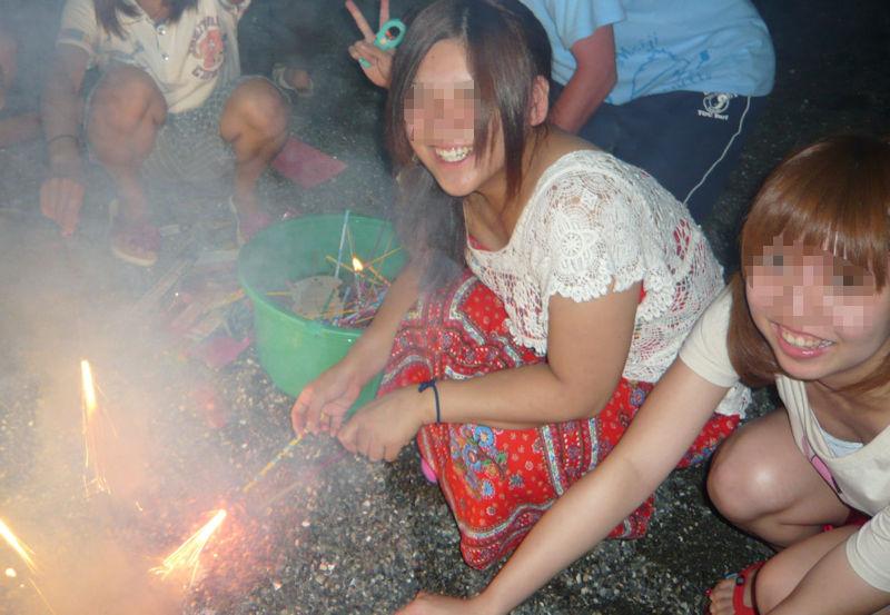 花火 胸チラ 日本の夏 エロ画像【11】