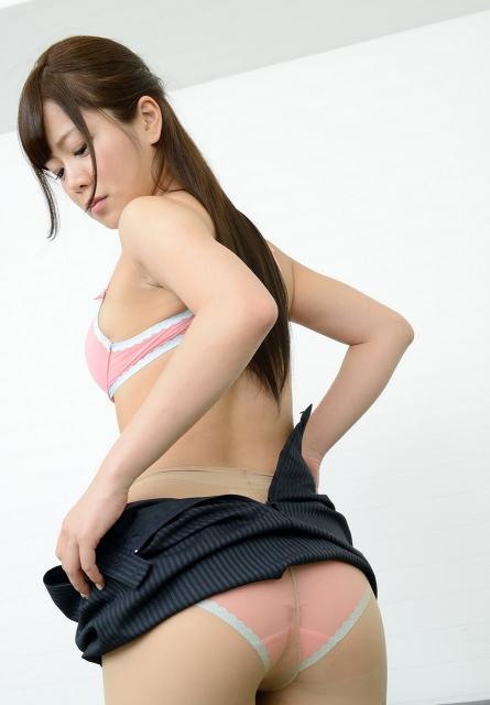 OL パンスト お尻 スカート 脱ぎかけ エロ画像【8】
