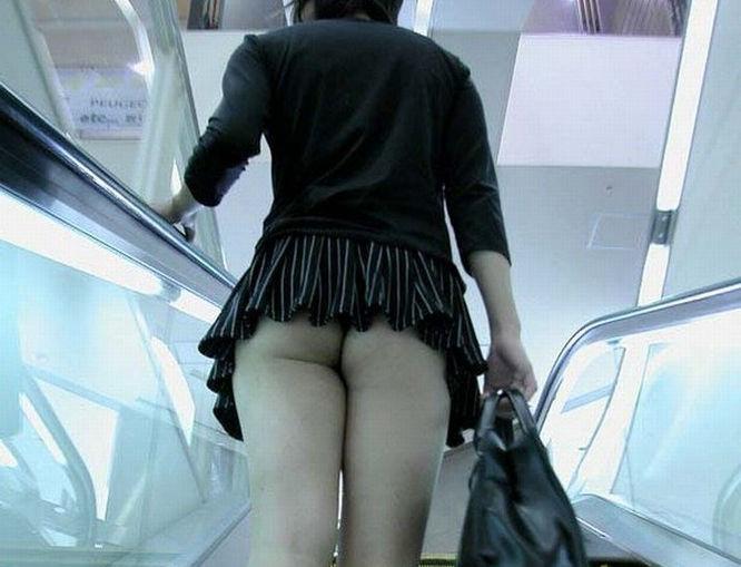 マイクロ ミニスカ お尻 はみ出す ハミケツ スカート エロ画像【26】