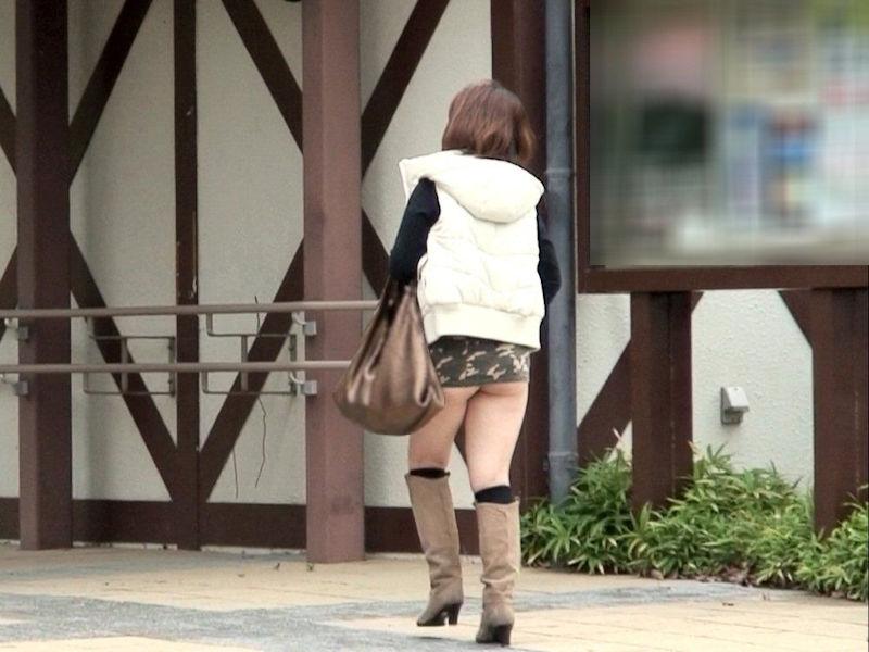 マイクロ ミニスカ お尻 はみ出す ハミケツ スカート エロ画像【28】