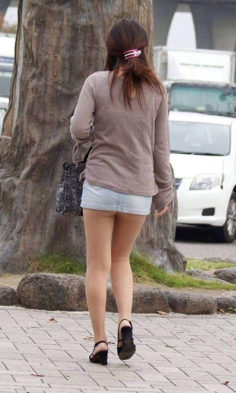 マイクロ ミニスカ お尻 はみ出す ハミケツ スカート エロ画像【33】
