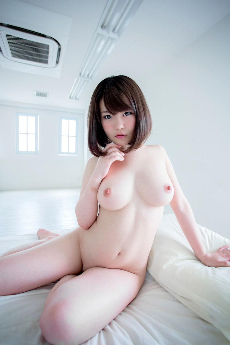 パイパン 巨乳 全裸 ヌード エロ画像【3】
