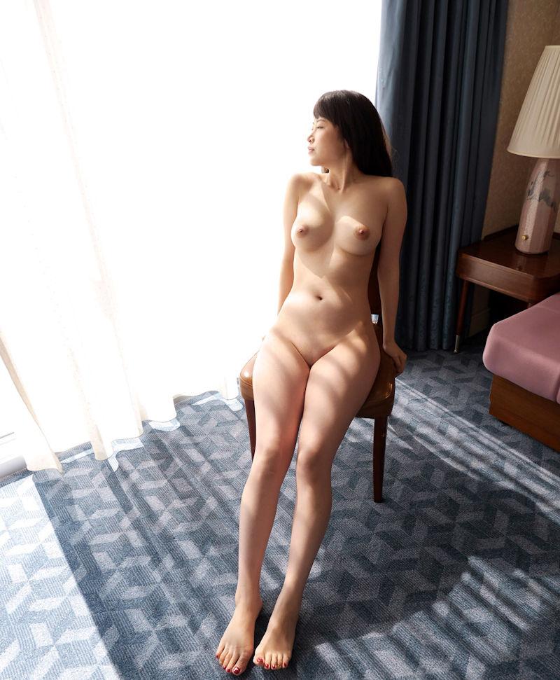 パイパン 巨乳 全裸 ヌード エロ画像【5】