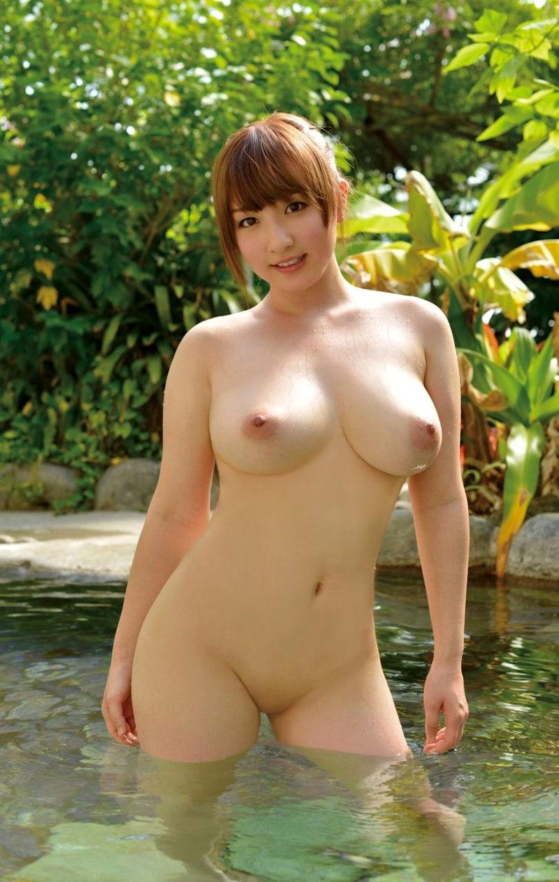 パイパン 巨乳 全裸 ヌード エロ画像【13】