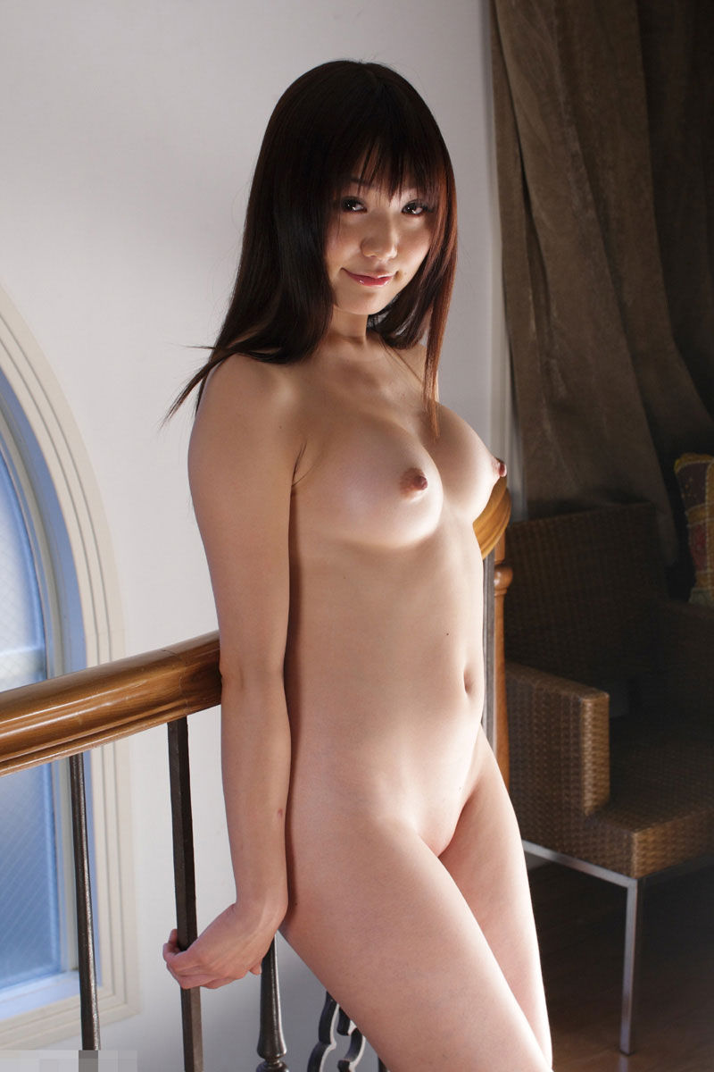 パイパン 巨乳 全裸 ヌード エロ画像【18】