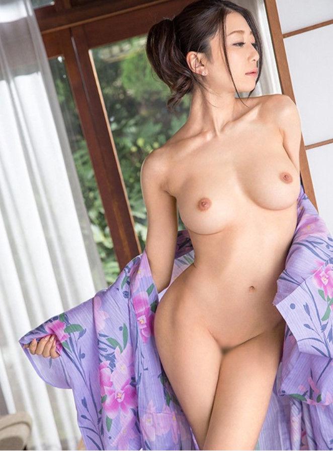 パイパン 巨乳 全裸 ヌード エロ画像【37】