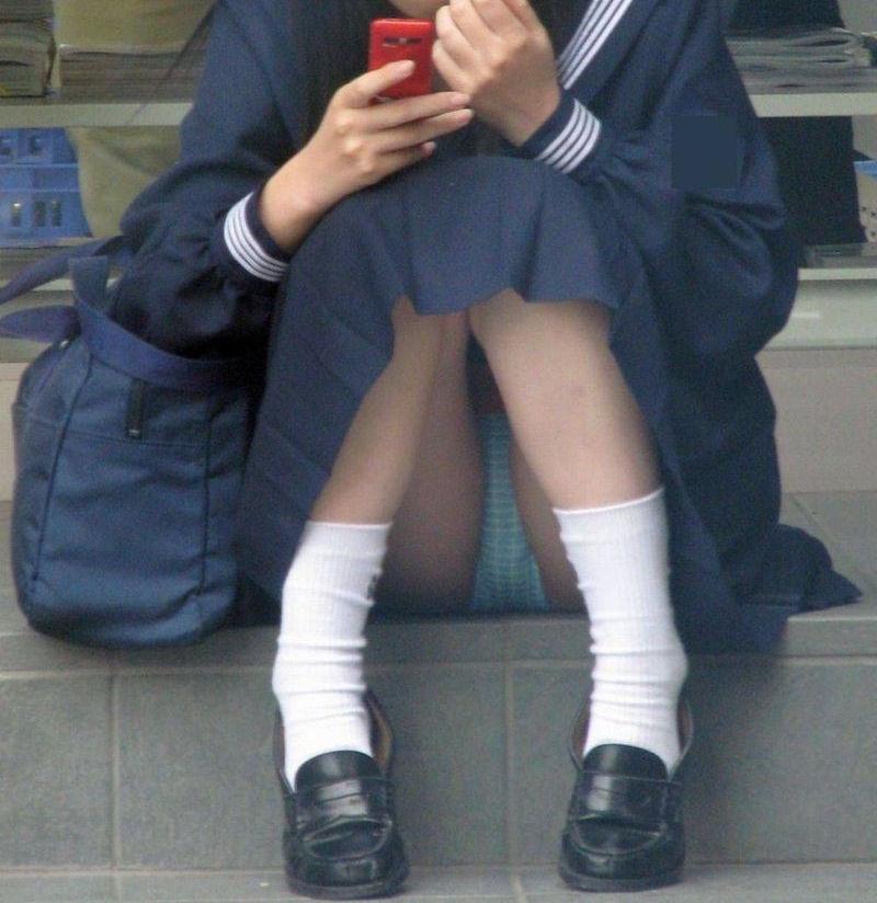 学生 コンビニ パンチラ 寄り道 JK エロ画像【7】