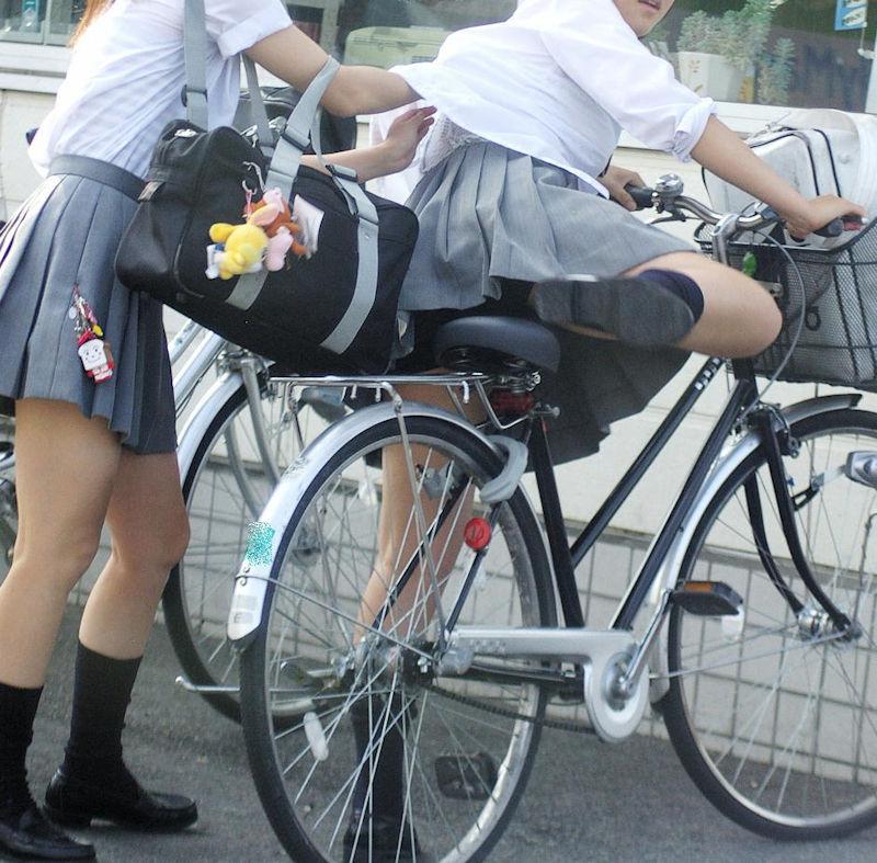 学生 コンビニ パンチラ 寄り道 JK エロ画像【28】