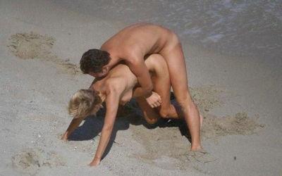 セックス on the ヌーディストビーチのエロ画像 ③
