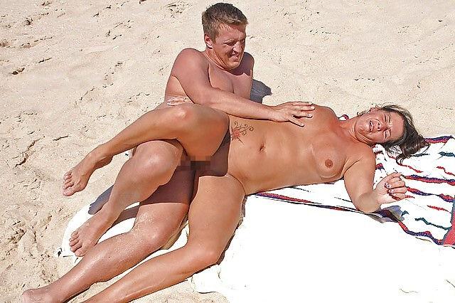 セックス ヌーディストビーチ エロ画像【64】