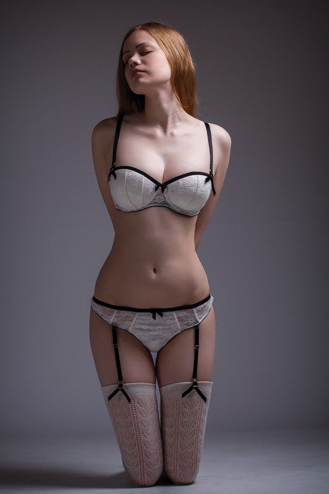 下着 美女 外国人 ランジェリー モデル エロ画像【35】