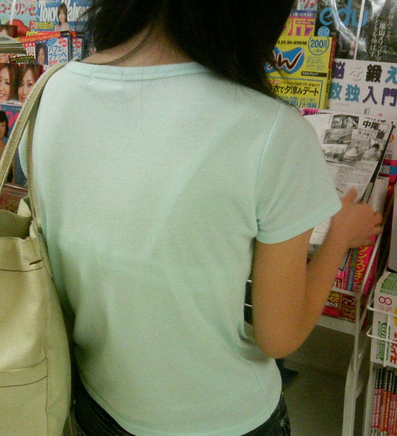 コンビニ 店内 透けパン 透けブラ 買い物客 エロ画像【5】