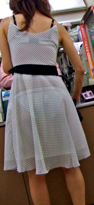 コンビニ 店内 透けパン 透けブラ 買い物客 エロ画像【21】