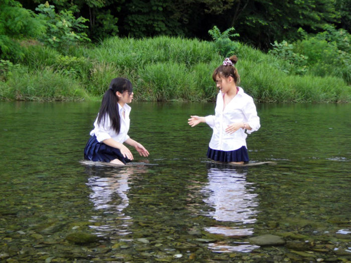 JK JD 濡れ 透け 川遊び ハプニング エロ画像【19】