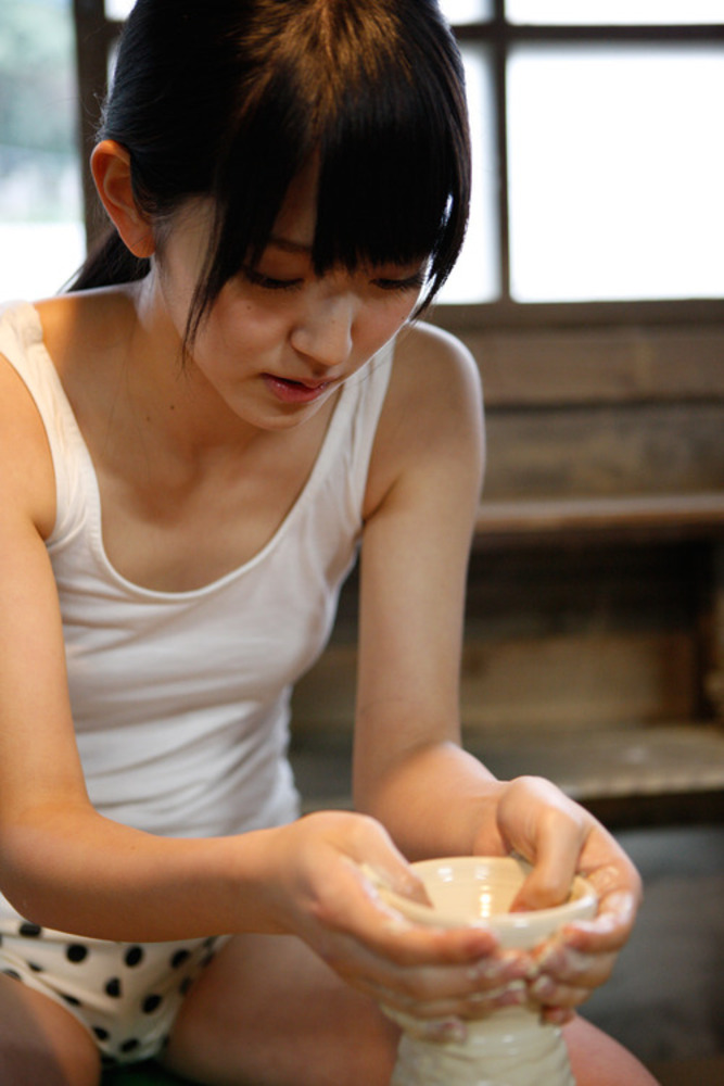 薄着 タンクトップ 美女 おっぱい エロ画像【11】