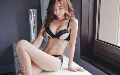 スレンダー巨乳美女というイイ体したイイ女のエロ画像 ②
