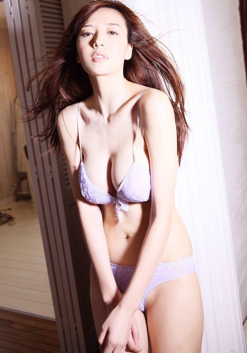 スレンダー 巨乳 美女 イイ体 イイ女 エロ画像【44】