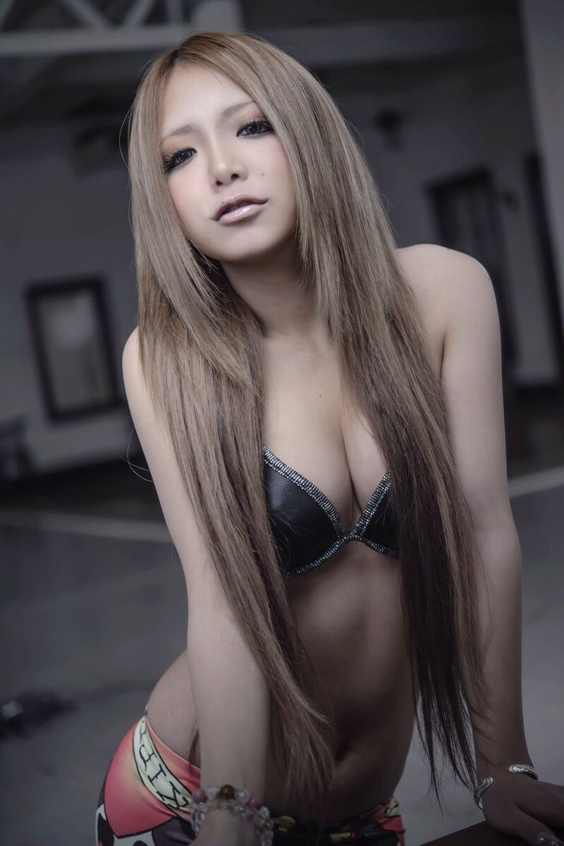 美女 デコ出し ロングヘア 綺麗 可愛い エロ画像【10】