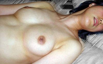 人妻熟女の寝乳がエロい仰向けおっぱい画像集 ②