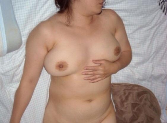 人妻 熟女 寝乳 仰向け おっぱい エロ画像【16】