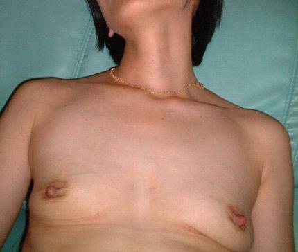 人妻 熟女 寝乳 仰向け おっぱい エロ画像【28】