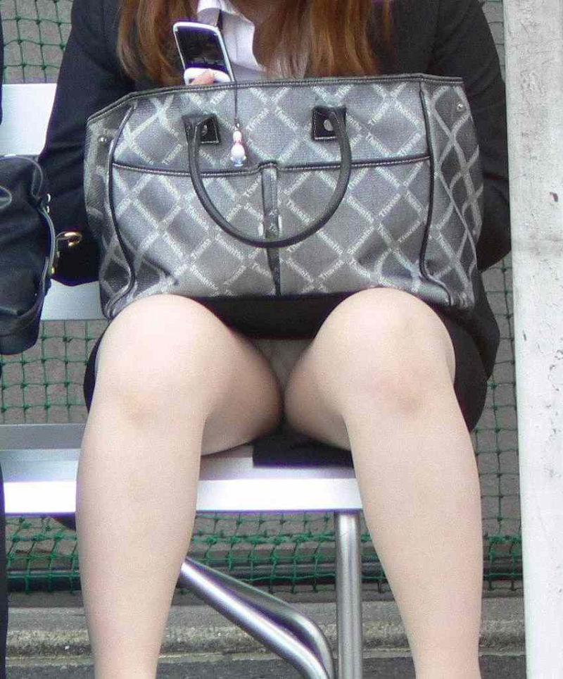 タイト ミニスカ OL パンチラ 尻チラ エロ画像【36】