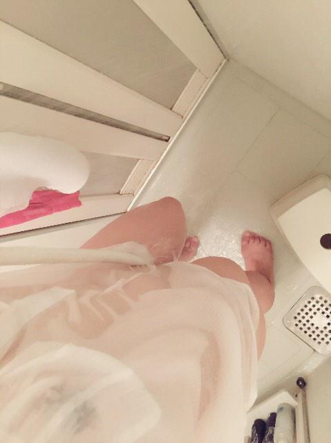 制服 びしょ濡れ OL 着衣 濡れ透け エロ画像【24】