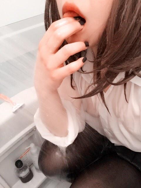 制服 びしょ濡れ OL 着衣 濡れ透け エロ画像【33】