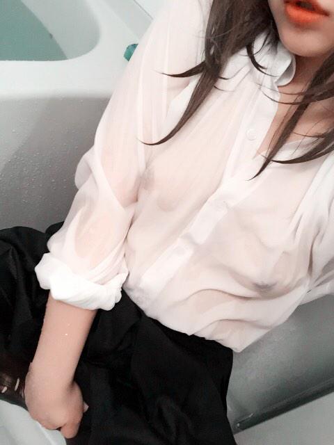 制服 びしょ濡れ OL 着衣 濡れ透け エロ画像【35】
