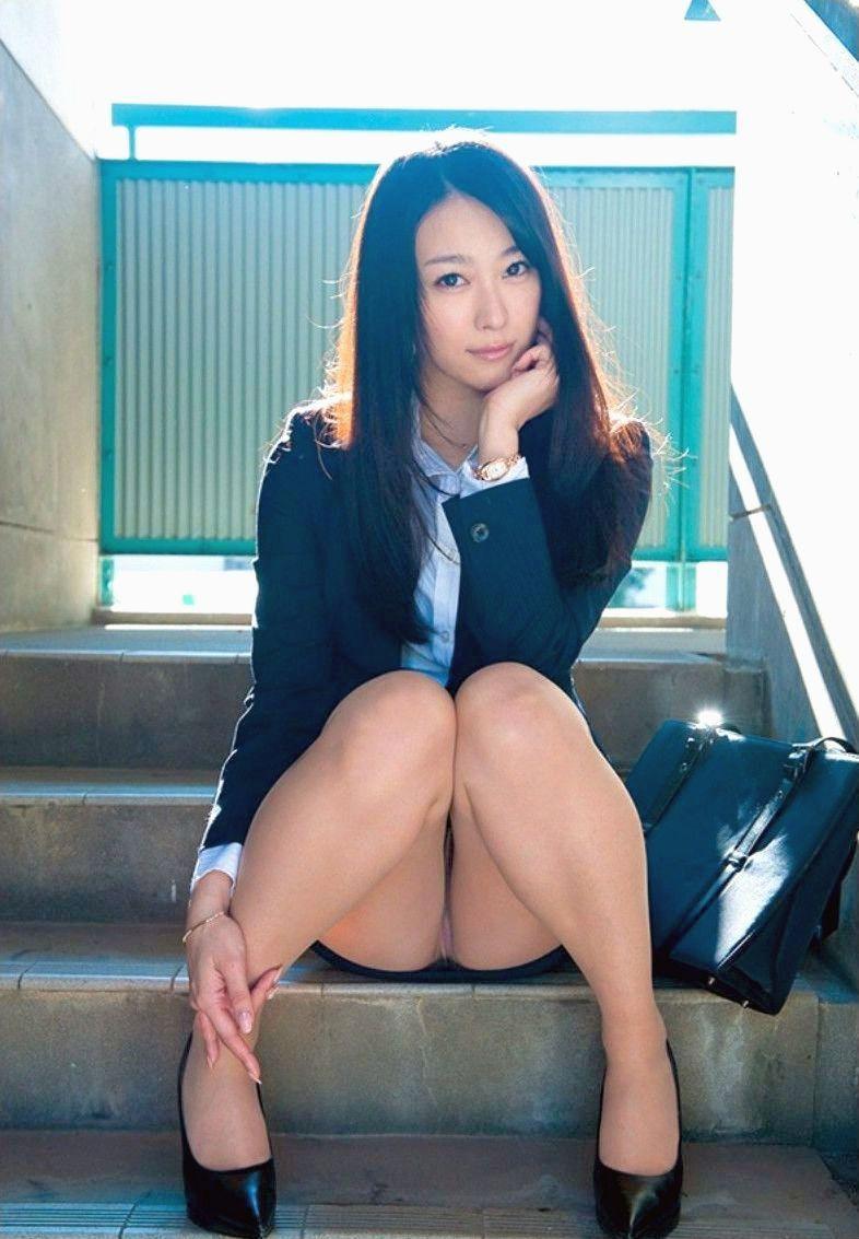 階段 パンツ OL パンチラ エロ画像【7】