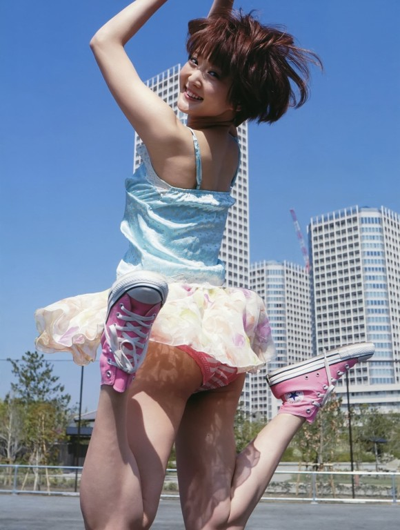 パンチラ スカート ジャンプ エロ画像【4】