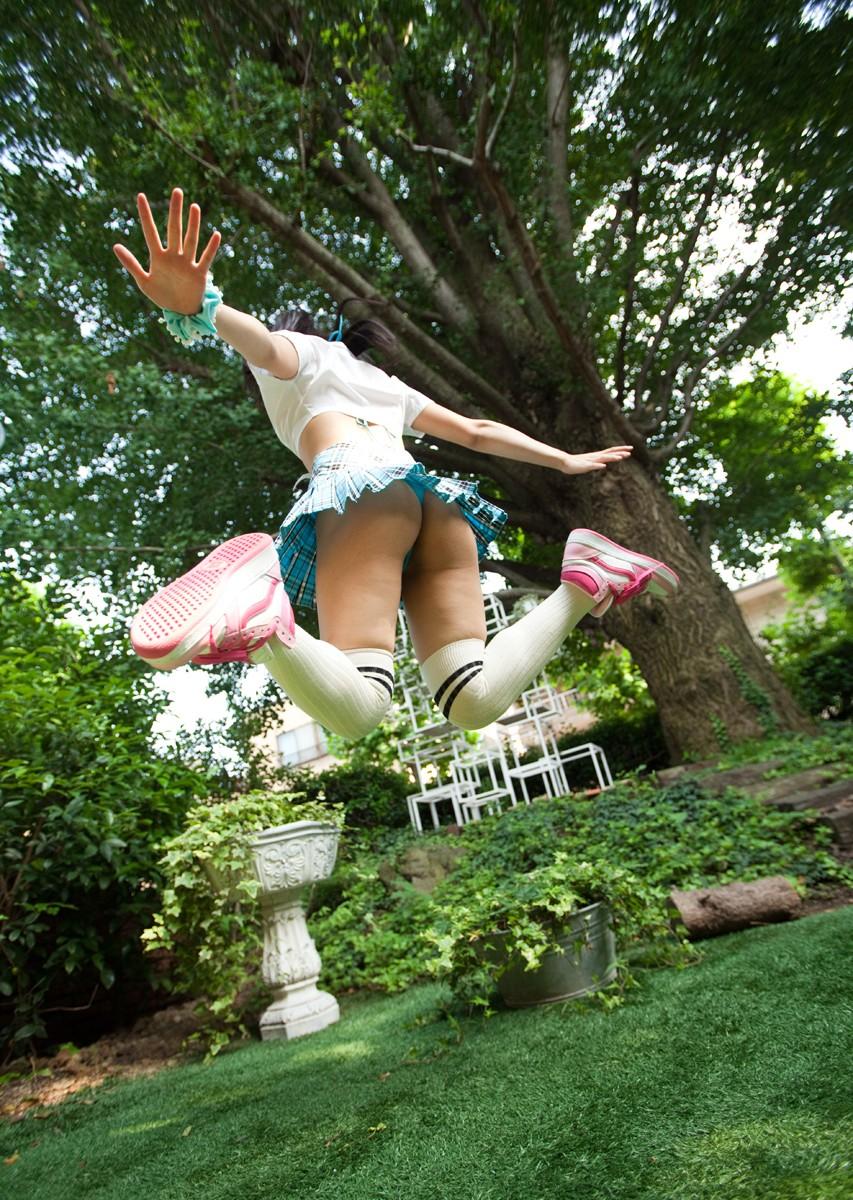 パンチラ スカート ジャンプ エロ画像【6】