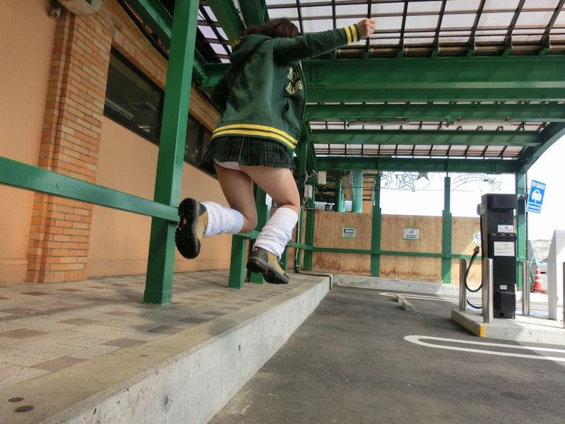 パンチラ スカート ジャンプ エロ画像【11】