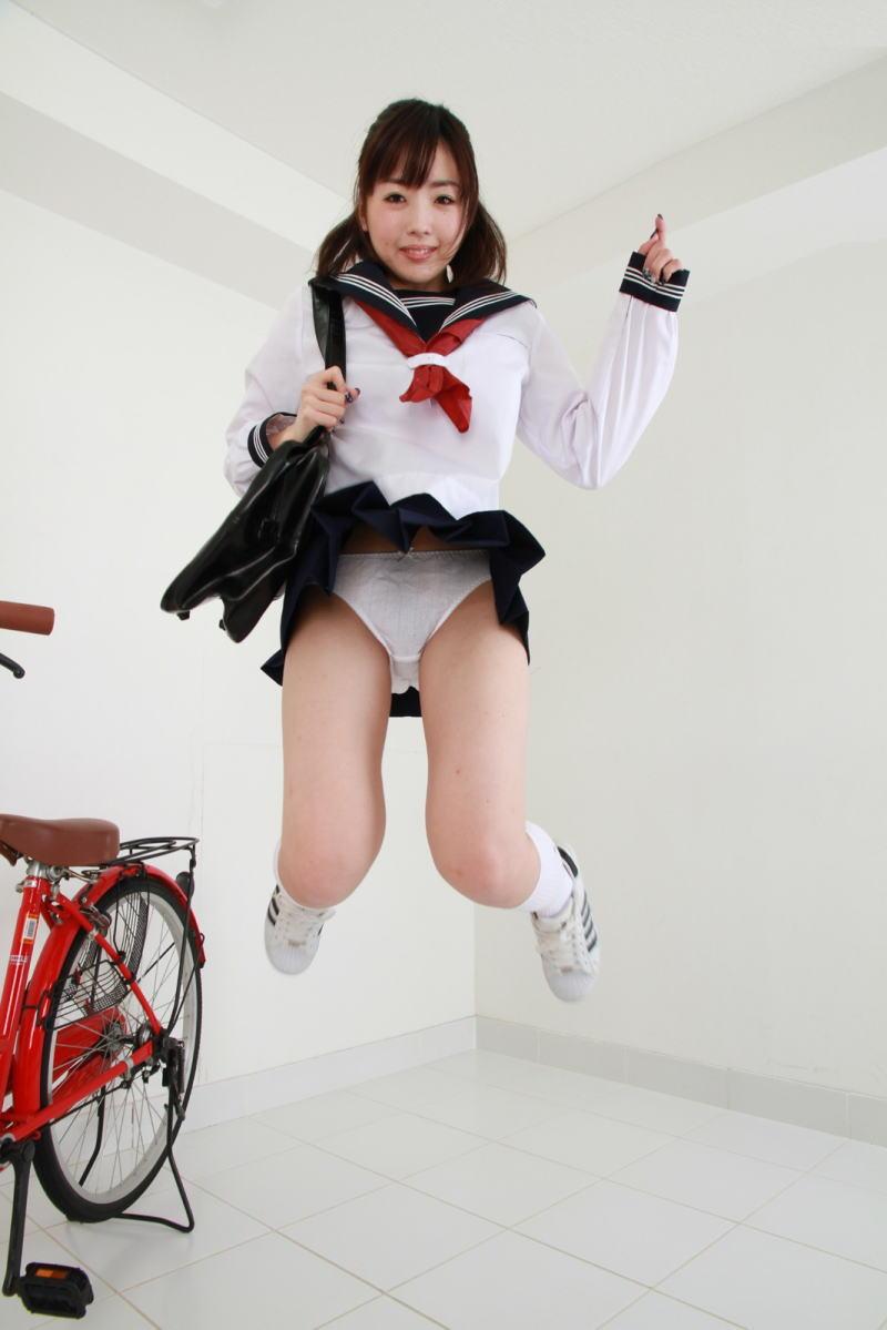 パンチラ スカート ジャンプ エロ画像【12】
