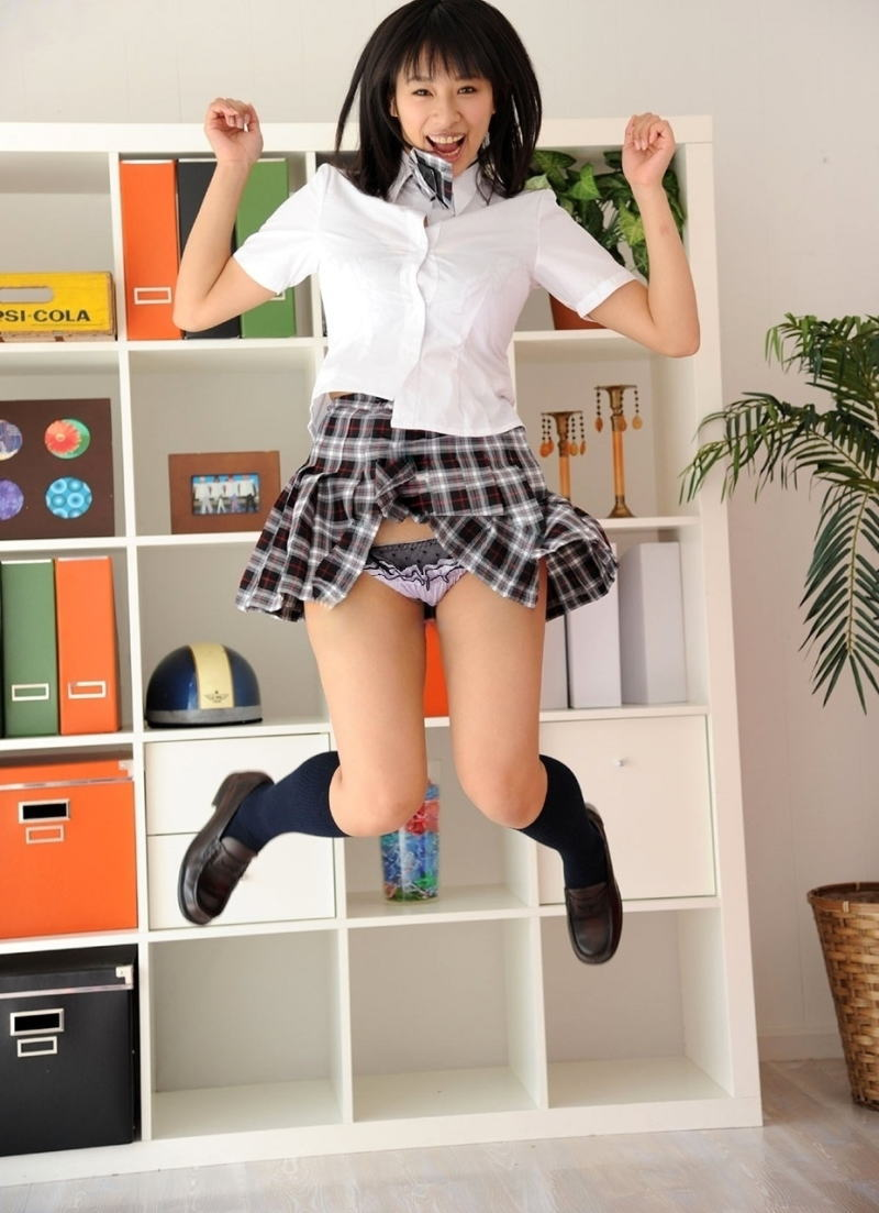 パンチラ スカート ジャンプ エロ画像【21】