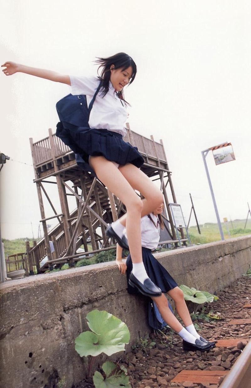 パンチラ スカート ジャンプ エロ画像【27】