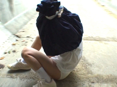 無抵抗 JK いじめ 茶巾縛り エロ画像【8】