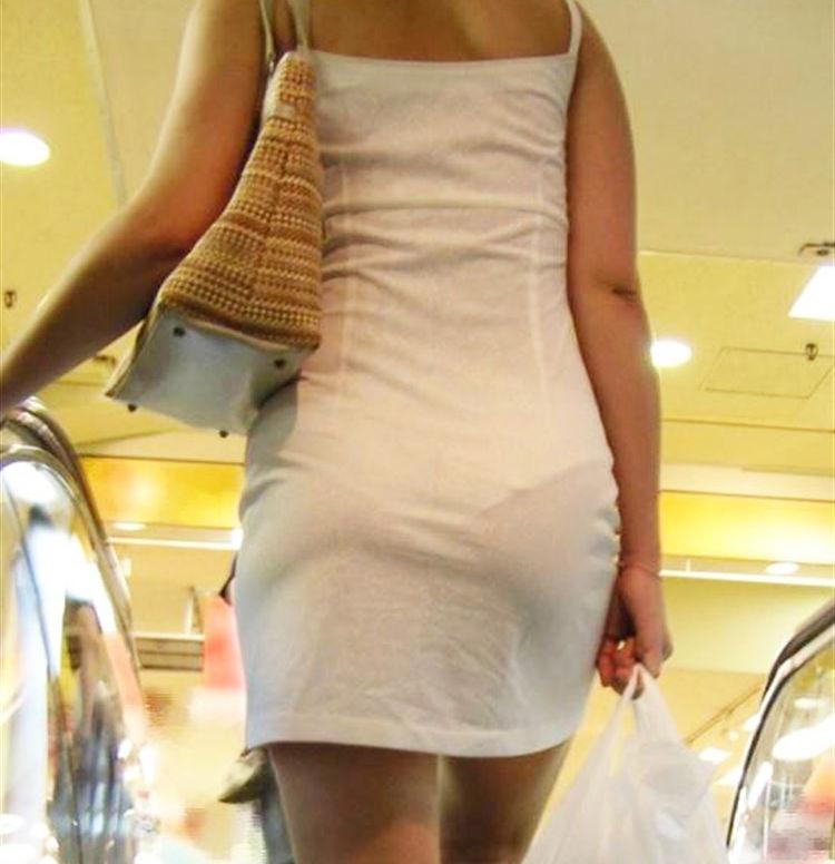 ワンピース 透け感 下着 透ける 街撮り 白ワンピ エロ画像【34】