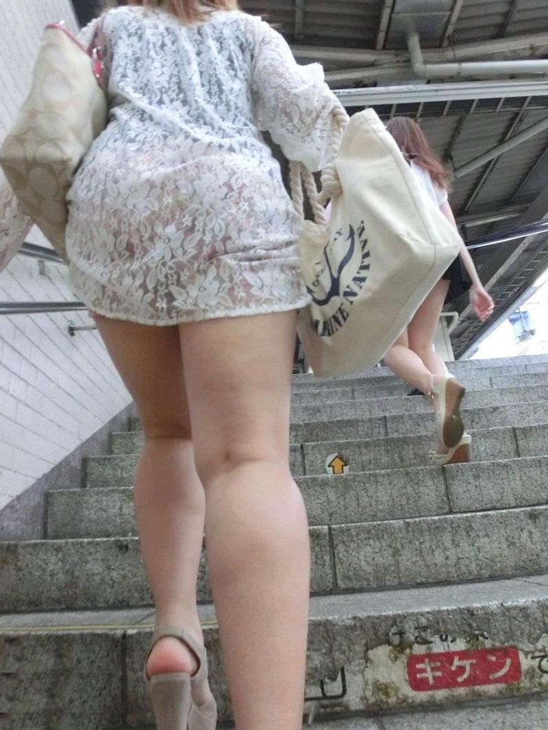 ワンピース 透け感 下着 透ける 街撮り 白ワンピ エロ画像【44】