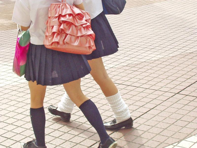 JK スカート パンツ 太もも 透け エロ画像【3】