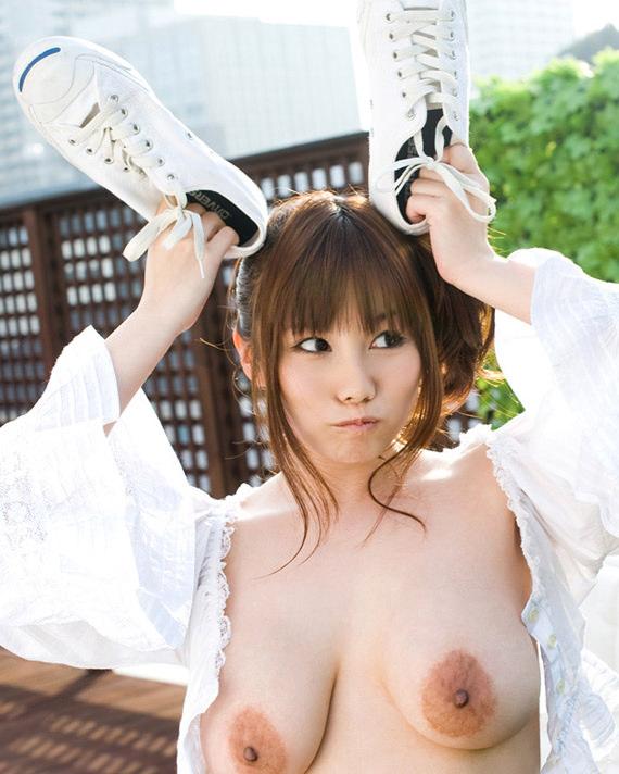 垂れ乳 若い やわパイ ギャル エロ画像【10】