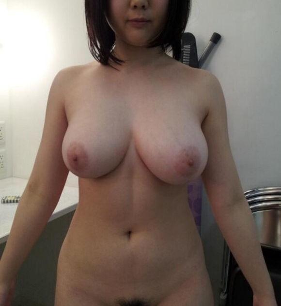 垂れ乳 若い やわパイ ギャル エロ画像【28】
