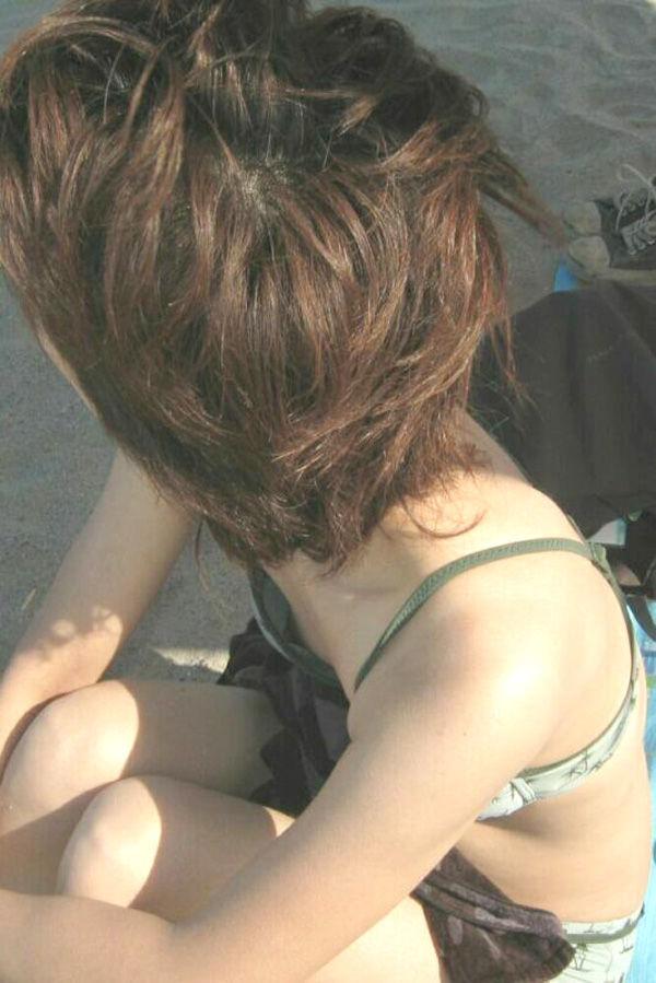 水着 熟女 乳首 ポロリ チラリ おばさん ハプニング エロ画像【8】