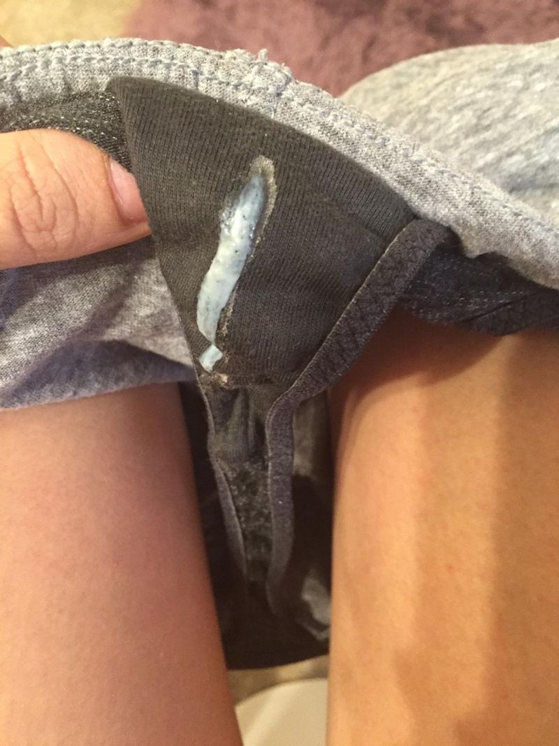 パンツ 濡れ 汚れ シミパン 外国人 エロ画像【37】