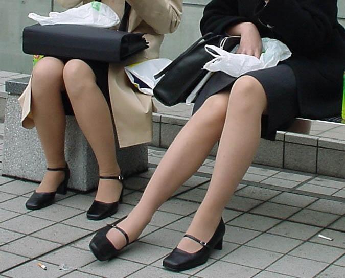 OL 複数 群れる セクシー 女性社員 エロ画像【19】