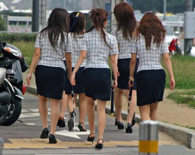 OL 複数 群れる セクシー 女性社員 エロ画像【30】