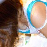 ブラの肩紐がズレ落ちてるセクシーストラップ画像集
