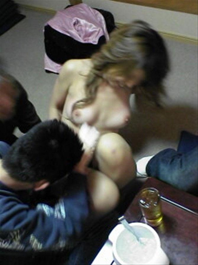 ピンクコンパニオン 全裸 宴会 ヌード エロ画像【9】
