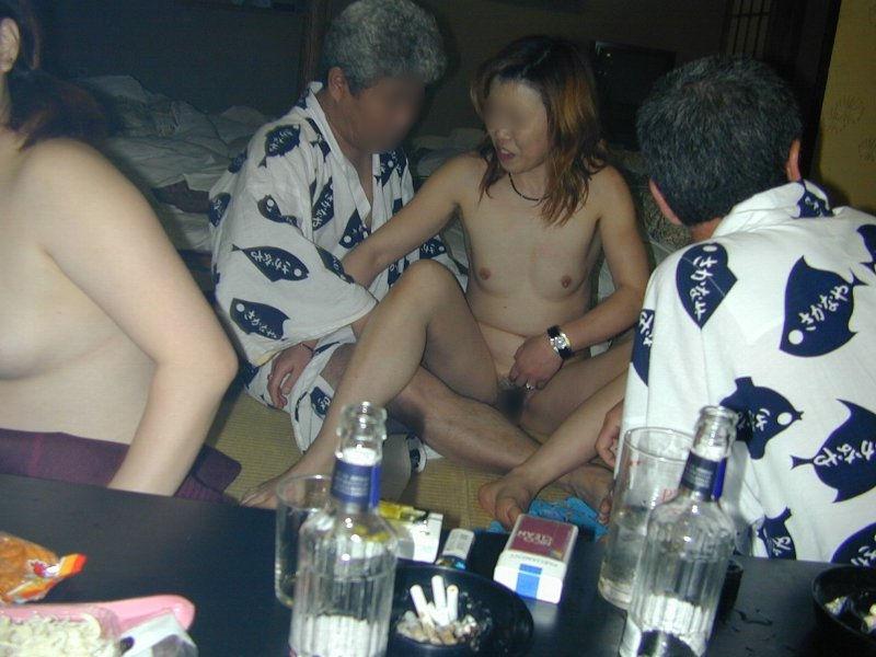 ピンクコンパニオン 全裸 宴会 ヌード エロ画像【14】